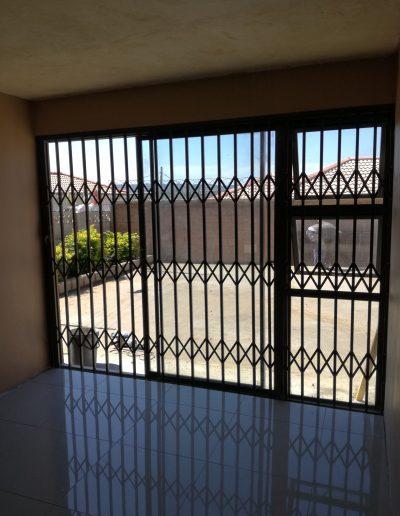 Alucity Slamlock Security Gate
