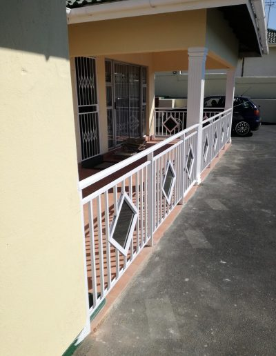 AluAlucity Glass Balustrade